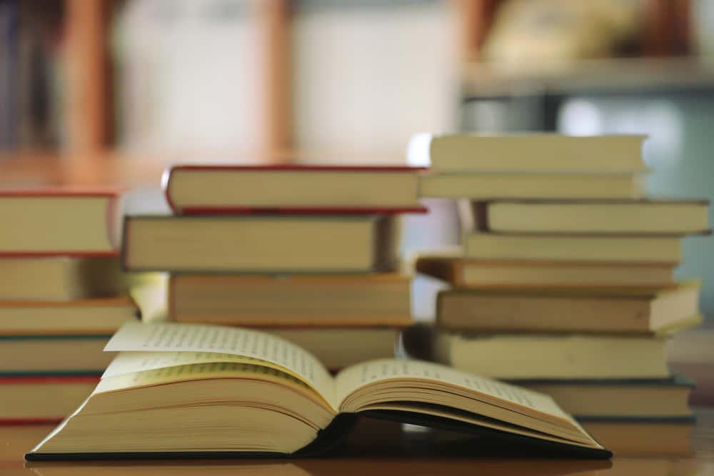 3e376c9c871f8f 洋書多読におすすめ!英語で読みたいノーベル文学賞作家作品7選 | 最新 ...