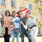 2017年の海外留学生数は7.8万人。アメリカ留学が減少し、フィリピン留学が増加
